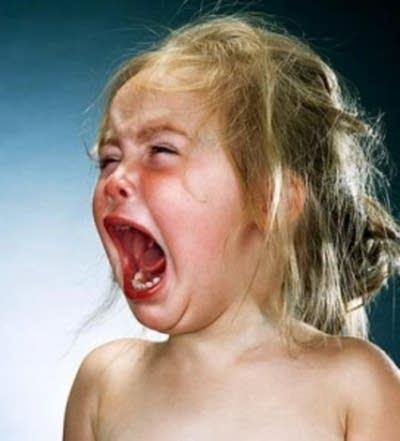 crying-baby-plane